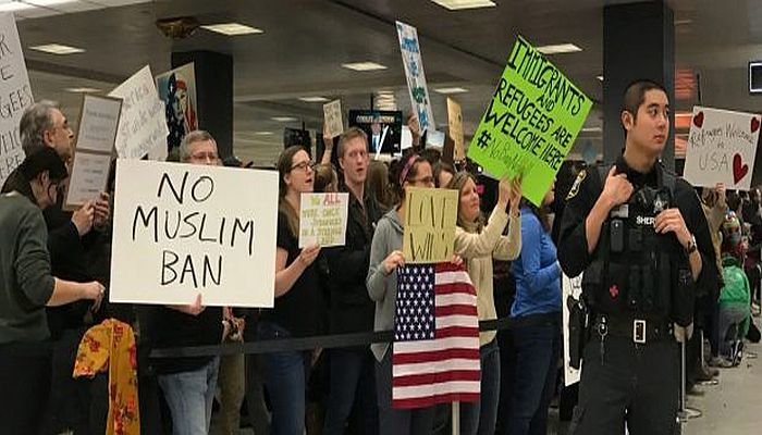 """Build A Wall And Torture People"": Former Obama Officials Are LOSING IT Over Trump's Visa Ban"