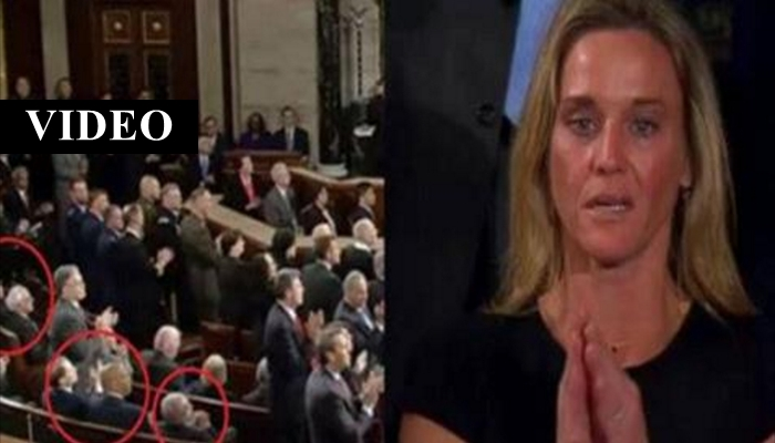 Congressional Democrats Remain Seated As Fallen Navy SEAL's Wife Is Honored