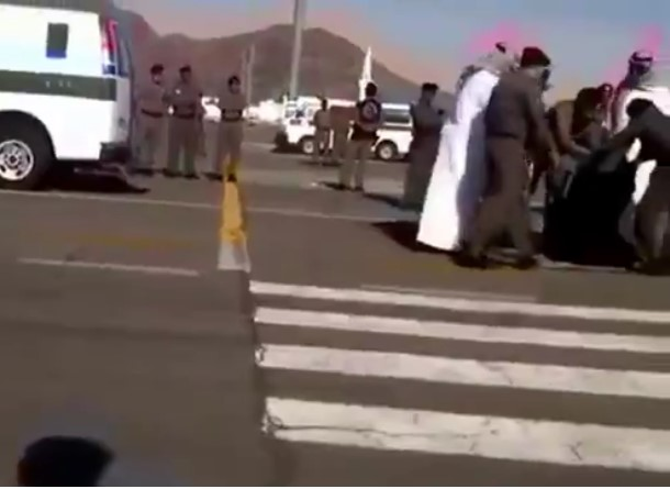 Woman Beheaded In Broad Daylight As Police Just Watch [VIDEO]