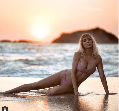 Sara Underwood Rejects Hiking Gear For  a Bikini [VIDEO and SLIDESHOW]