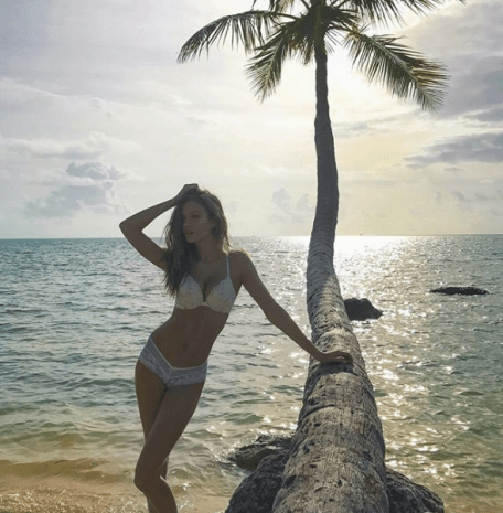 Josephine Skriver Saves a Fortune By Limiting Clothes [VIDEO and PHOTOS]