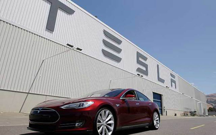 APPLE Could Have Bought TESLA For Just 1/10th Of Its Current Valuation