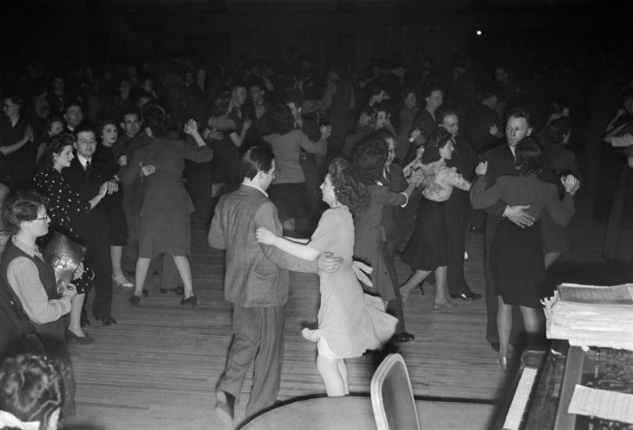 New_Style_Dancing_Arrives-_the_Introduction_of_the_Jive_Into_British_Dance_Halls,_1945_D23830
