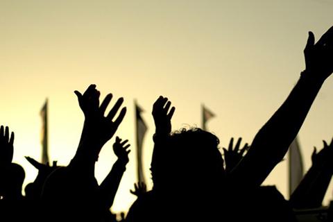 اساتذہ کی قلت کولے کر اوڑی میں لوگوں کا احتجاج