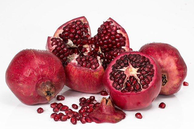 pomegranate 3259161 640 - health