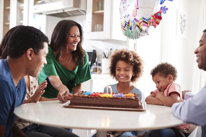 How To Say Happy Birthday In Italian Buon Compleanno Daily Italian Words