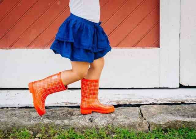 London-Littles_rainboots_2