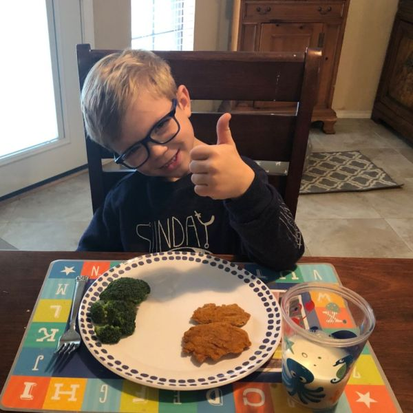 Kid Friendly Healthy Dinner Idea {CAULIPOWER Chicken Tenders}