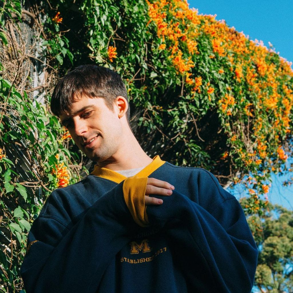 Australian singer-songwriter and producer Hauskey shared his debut EP Slow, through UMG's Republic Records. The 6-song EP signals the entrance of a Sydney-based pop star onto the music scene.