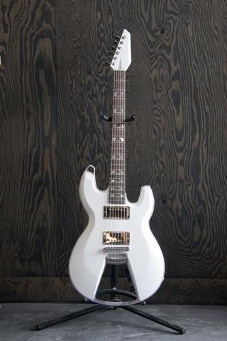 ケストレル新作ギター 画像