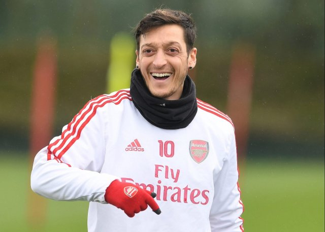 Details of Mesut Ozil's new contract revealed