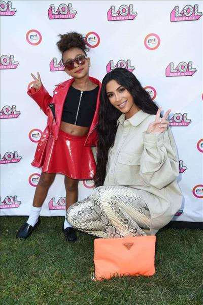 """""""How dare you slam a little girl's work""""! Kim comes for critics who doubted North's impressive painting"""
