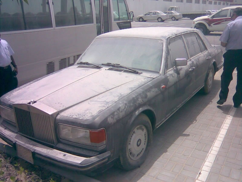 Abandoned Cars In Dubai (1)