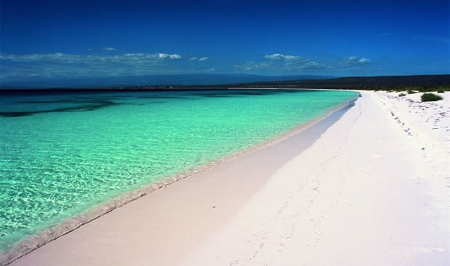 clearest waters to swim in before you die 20