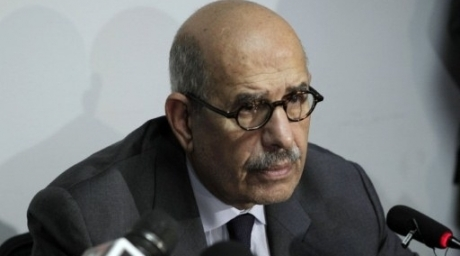 Former UN nuclear monitor and Nobel laureate Mohamed ElBaradei criticises Morsy's declaration and constituent assembly (AFP PHOTO)