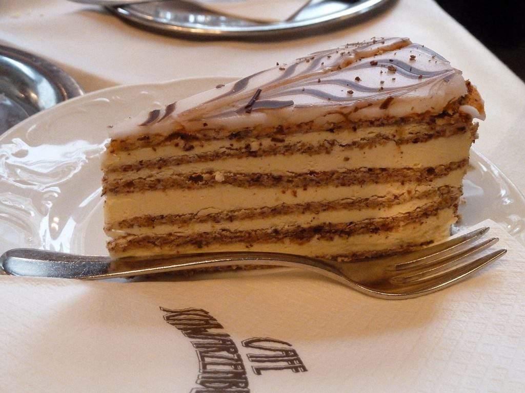 Slikovni rezultat za esterhazy torta hr