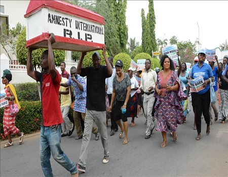 Protesters storm Amnesty Intl's office, accuse global watchdog of plans to unsettle Nigeria