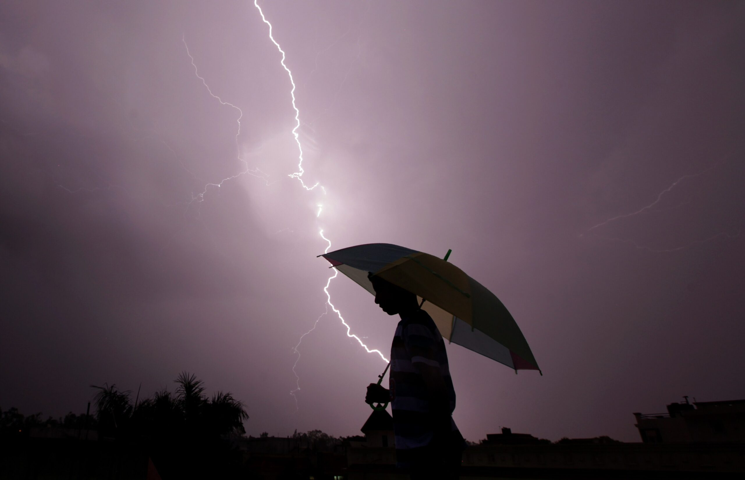 The Nigerian Meteorological Agency (NiMet) has predicted thunderstorm and cloudiness from Monday to Wednesday across the country. NiMet`s weather outlook released on Sunday in Abuja predicted cloudy skies over northern region on Monday morning with chances of isolated thunderstorms over parts of Jigawa, Bauchi, Gombe, Kano, Katsina, Sokoto and Kebbi. According to the agency, there […]