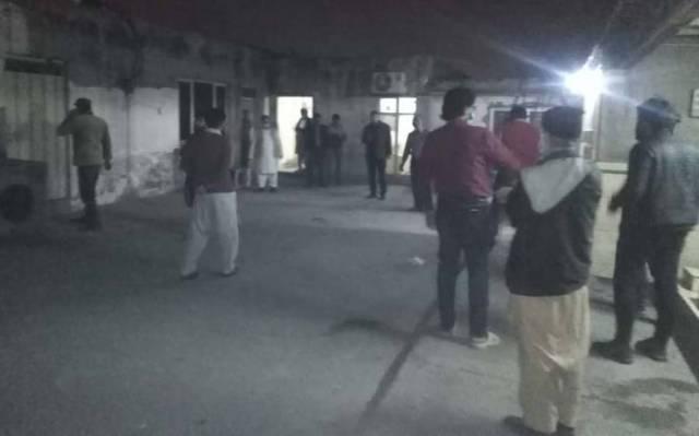 پنجاب، خیبرپختونخوا، گلگت بلتستان، آزاد کشمیر سمیت ملک کے بیشتر شہروں میں 6.4 شدت کا زلزلہ، آفٹر شاکس کا خدشہ 1
