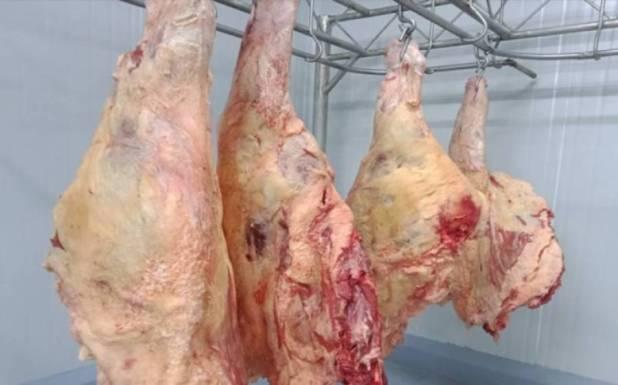 مرغی کے بعد بڑے گوشت کی قیمت میں اتنا اضافہ کہ پاکستانیوں کی چیخیں نکل گئیں