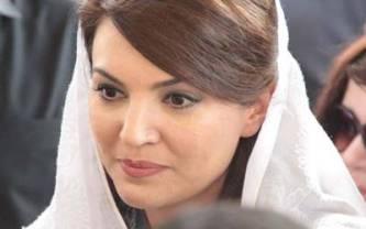 معروف اینکر پرسن ثنا بچہ اور ریحام خان آمنے سامنے ،بڑی لڑائی کا خدشہ پیدا ہو گیا