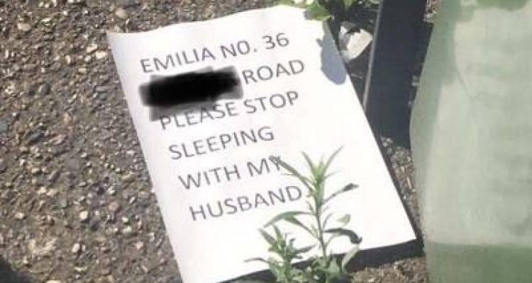 'میرے شوہر کے ساتھ اپنا تعلق ختم کردو' خاتون نے اپنی ہمسائی کے نام خط لکھ دیا، لیکن یہ خط بھیجنے کی بجائے کہاں لگادیا؟ جان کر آپ کی بھی ہنسی نہ رکے گی