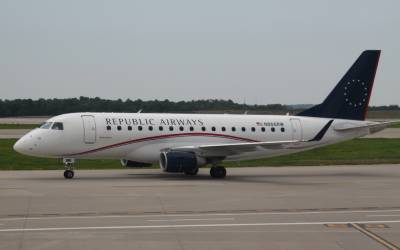 امریکامیں لڑکی کی پرواز کے دوران طیارے سے کود کر خود کشی کی کوشش