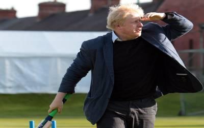 'مسئلہ کشمیر پاکستان اور بھارت کا دو طرفہ معاملہ ہے' مسئلے کی بنیاد رکھنے والے برطانیہ کے وزیر اعظم نے مودی کو فون گھمادیا