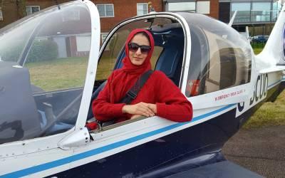 پاکستانی خاتون سائنسدان نے ہوائی جہاز کا ایسا انجن بنا لیا جو آج تک کوئی نہ بنا سکا، جان کر ہر پاکستانی کا سر فخر سے بلند ہوجائے