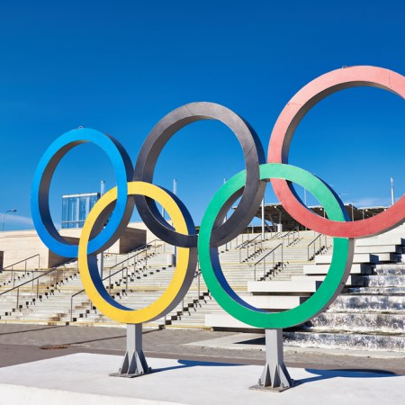 Olympic rings near olympic park at Sochi 2014, Rio 2016, Olympinner sono tornate