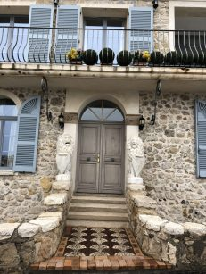 Houses in old Antibes - Antibes Water meetup 22-28.02.2018