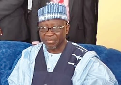Al Makura Empowers 100 Youths, Women With Grinding Machines, Power Generating Sets