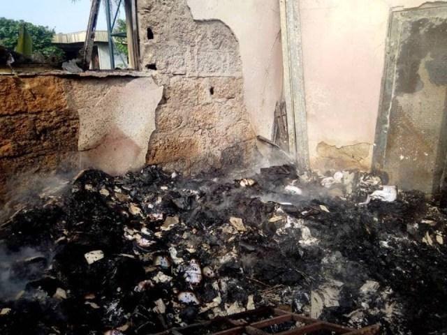2019 Guber[PHOTOS]: INEC office set ablaze in Akwa Ibom 5