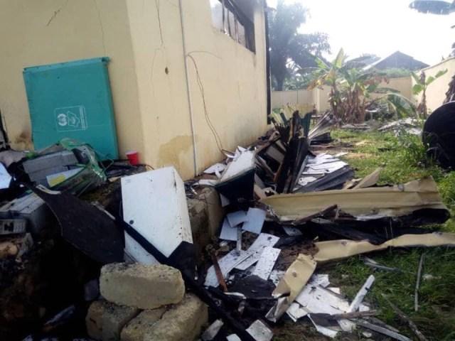 2019 Guber[PHOTOS]: INEC office set ablaze in Akwa Ibom 4
