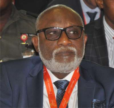Akeredolu faces more troubles as Ondo workers set for showdown, threaten strike