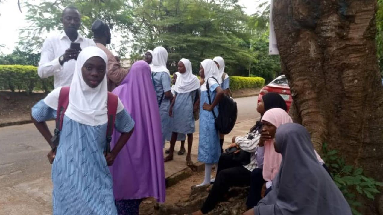 Some parents in Ibadan have expressed concern about the payment of third term fees being demanded by private school owners over virtual learning for students. Some of the parents, who spoke with the News Agency of Nigeria in Ibadan on Thursday, said that some schools are demanding up to 90 per cent of the full […]