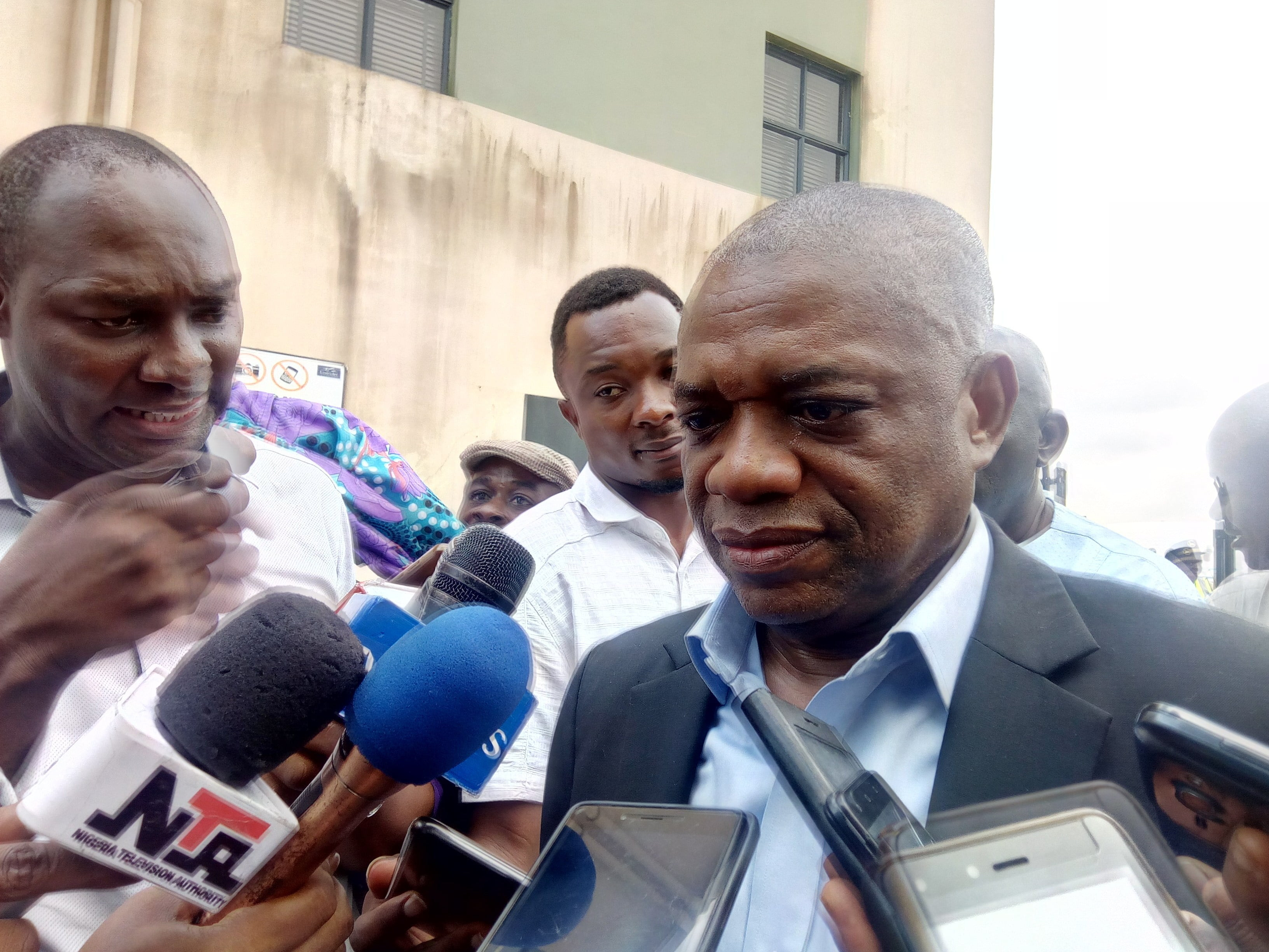 NNN: Chief Whip of the Senate Orji Uzor Kalu on Monday said that the Niger Delta Development Commission (NDDC) has yet to pay some contractors that he facilitated to build community roads. Kalu, a former governor of Abia,  said this while reacting to a the communique written by Sen. Godswill Akpabio, Minister of the Niger […]