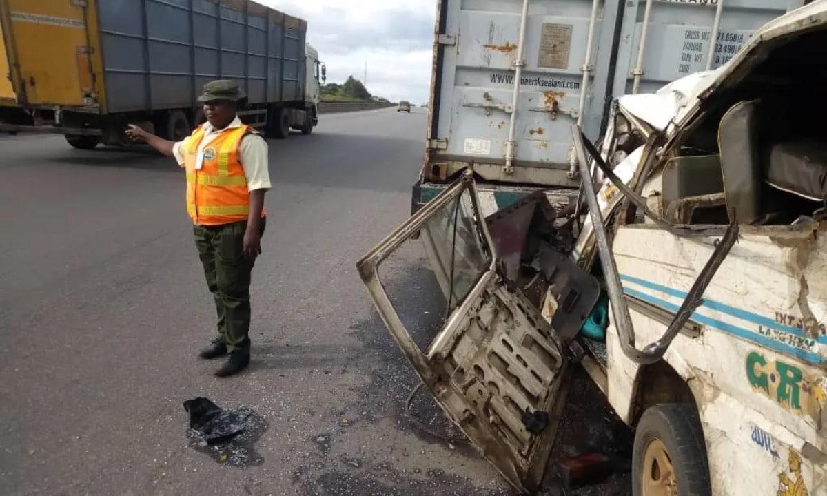 accident - Man dies,9 injured on Lagos-Ibadan Expressway accident