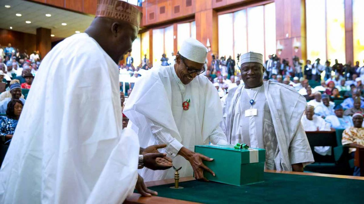 Experts Commend Buhari On Early Budget Presentation