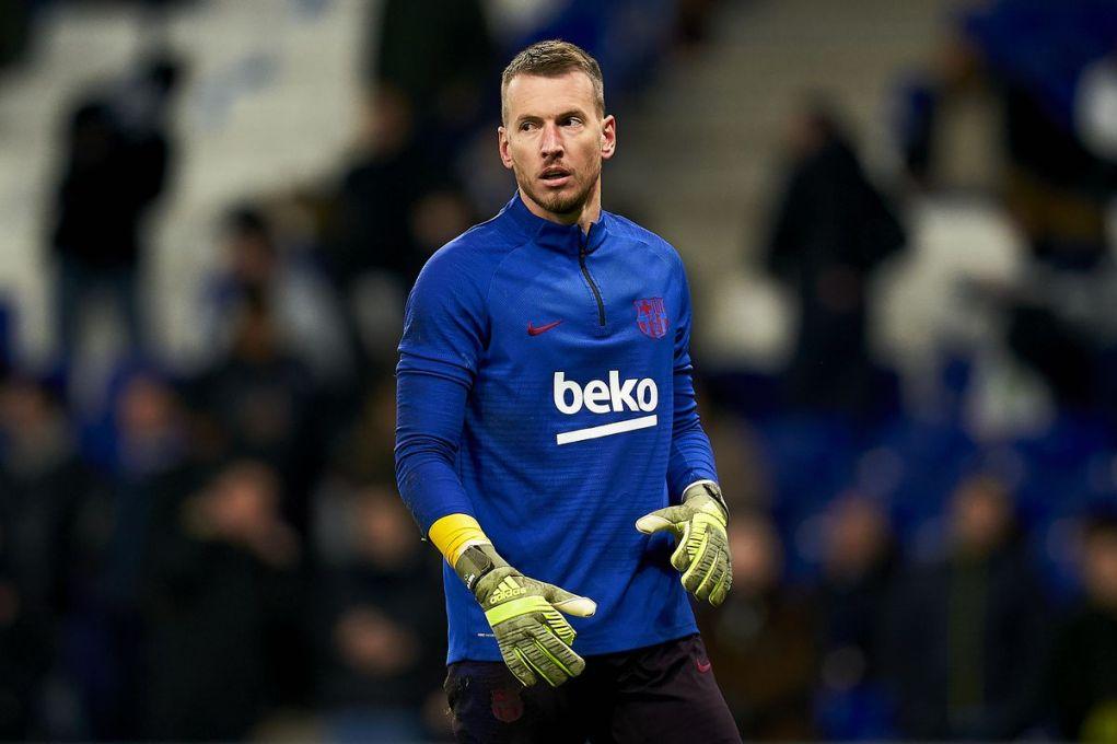 Transfer: Arsenal to sign Barcelona goalkeeper, Neto