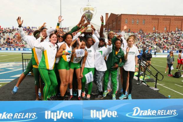 Baylor women take home the Hyvee Cup.