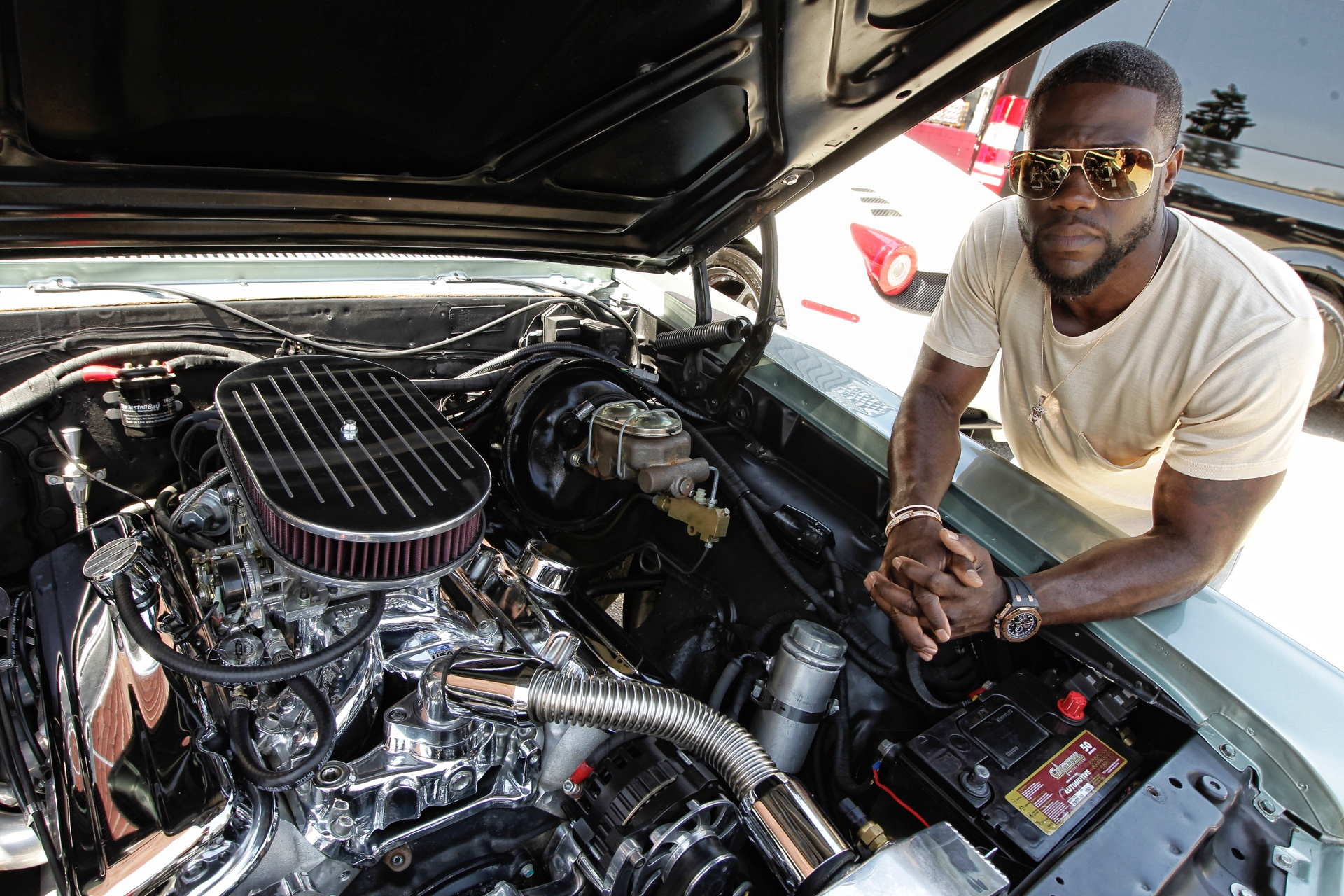 kevin hart actor comedian  car guy daily rubber