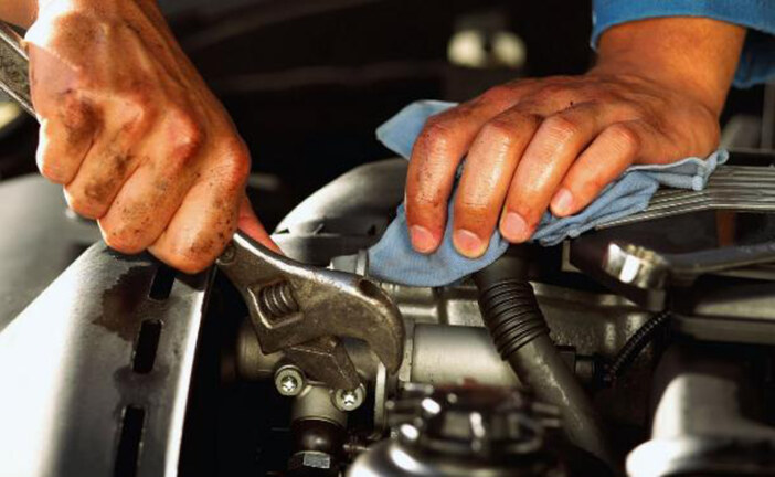 4 Top Tips to Car Engine Maintenance