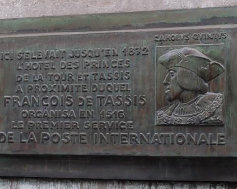 Jean-Baptiste de Tassis. Plaque commémorative de l'hôtel des Tassis à Bruxelles, rue de la Régence.