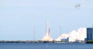 Décollage de la fusée Falcon 9, de la société SpaceX, qui emmène l'expérience ArtEMISS vers l'ISS.
