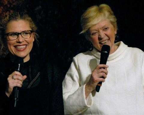 La journaliste Florence Hainaut, a animé ce tournoi. A ses côtés, le Pr Françoise Tulkens. © Alain Dewez