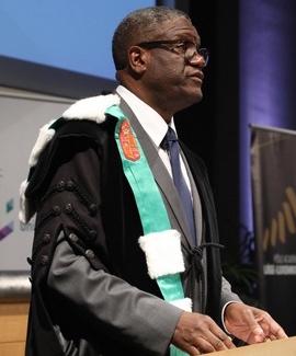 Le Dr Denis Mukwege, lors de la cérémonie des Docteurs honoris causa de l'Université de Liège. © ULiège