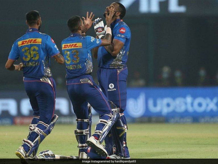 MI vs CSK: Hardik, Krunal Pandya Tip Their Hats To Kieron Pollard After Mumbai Indians's Thrilling Win Over CSK