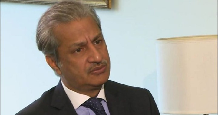 پیمرا کے سابق چیئرمین اور صحافی ابصار عالم کے خلاف 'سنگین غداری' کا مقدمہ درج