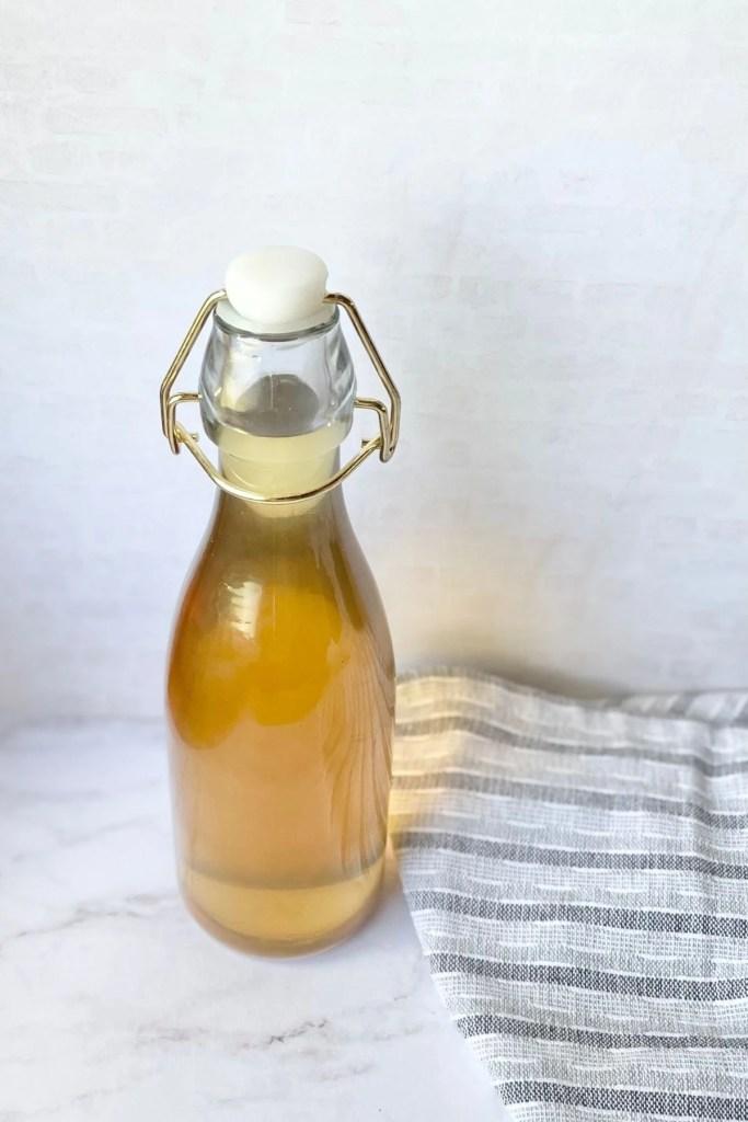 liquid sugar in jar with lid